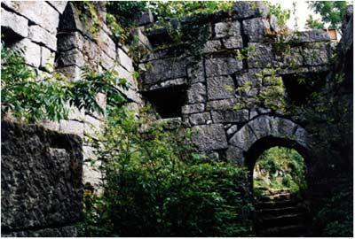 玛瑙山古军事洞堡导游解说词