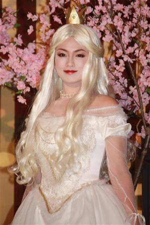 深田恭子为白皇后配音